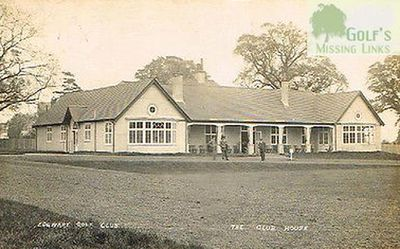 Edgeware Golf Club, London. The clubhouse and green.