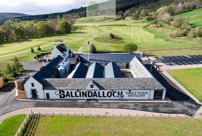 Ballindalloch Castle Golf Course, Moray. Pictures of the Ballindalloch Golf Course.