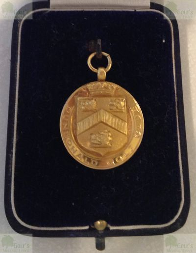 Dundonald Golf Club, Gailes by Irvine, Ayrshire. Monthly Medal from 1929 in presentation box.